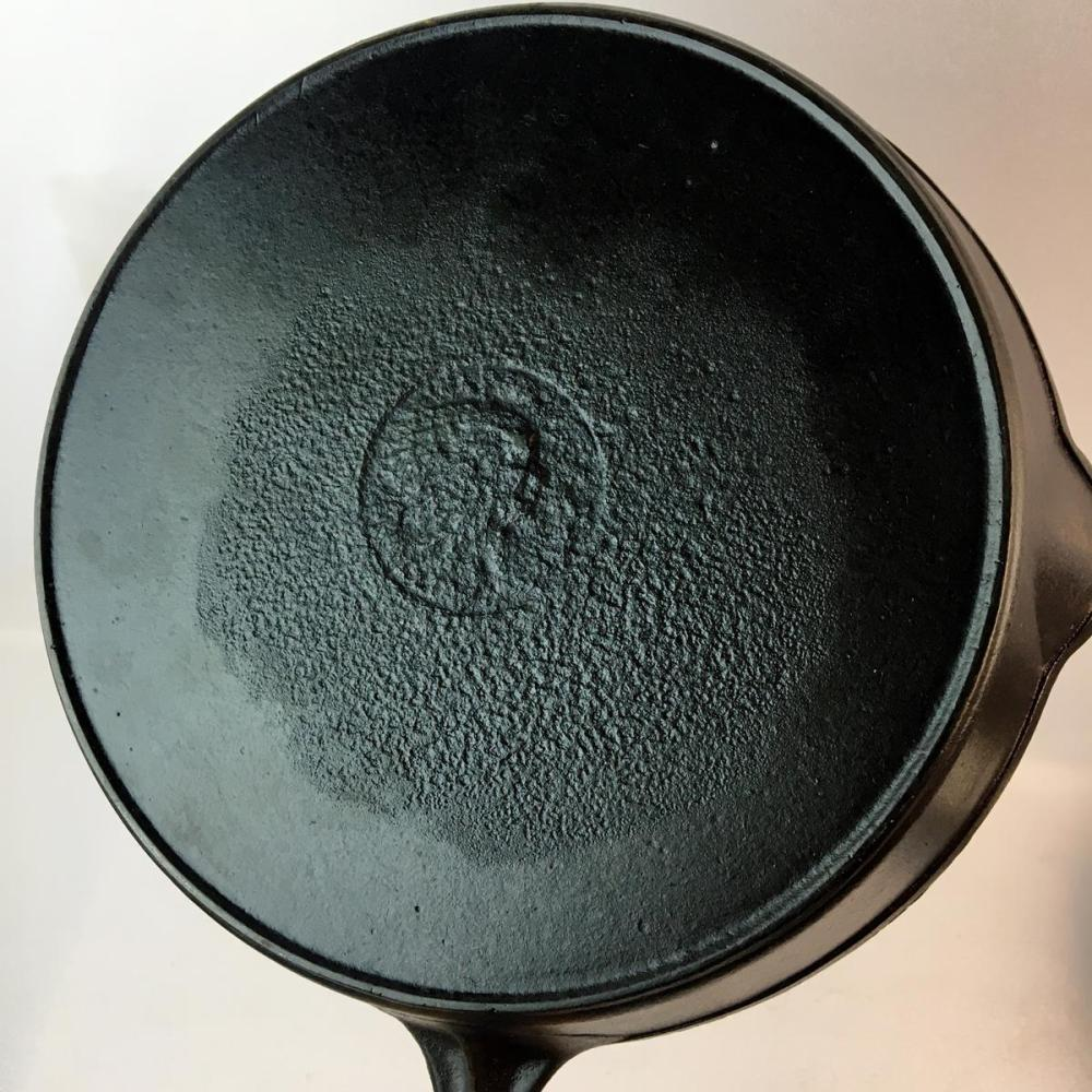 Antique 1903-1925 Wapak No. 8 Cast Iron Skillet w/ Heat Ring and Indian Head Logo