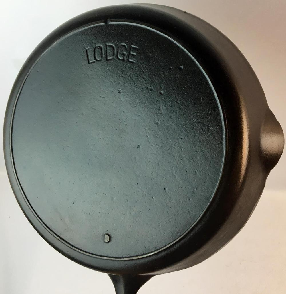 Vintage Lodge No. 8 Cast Iron Skillet w/ 1 Notch Heat Ring and Arch Block Logo