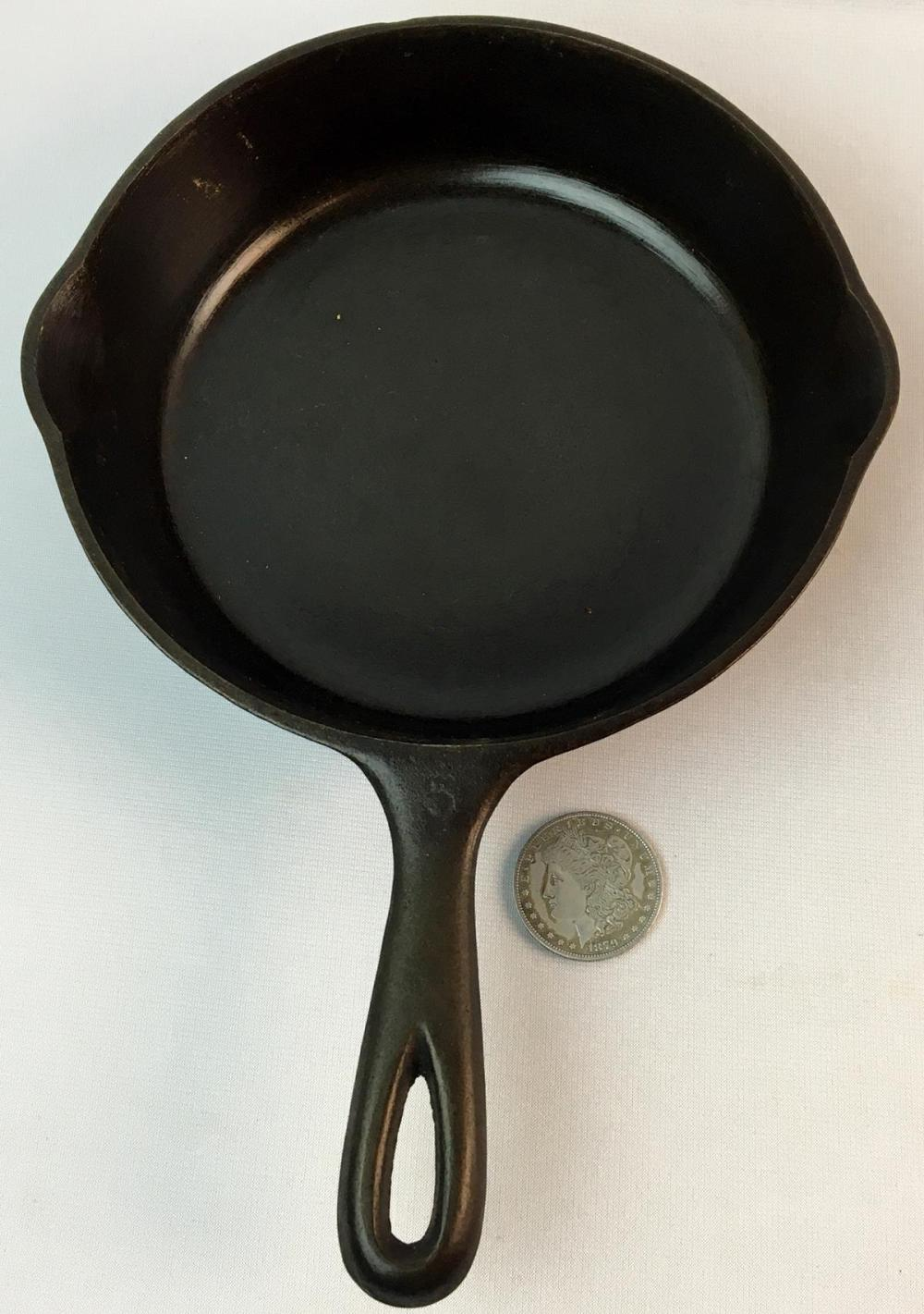 Vintage Wagner Ware Sidney -O- No. 5 Cast Iron 1055 A Skillet w/ 2 Spouts Flat Bottom