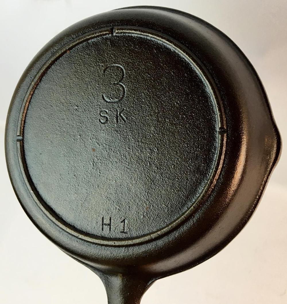 Vintage Lodge No. 3 SK H1 Cast Iron Skillet w/ Notch Heat Ring Fry Pan
