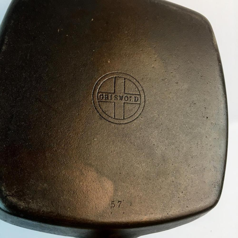 Vintage c. 1960 Griswold 57 Cast Iron Square Skillet w/ Small Logo