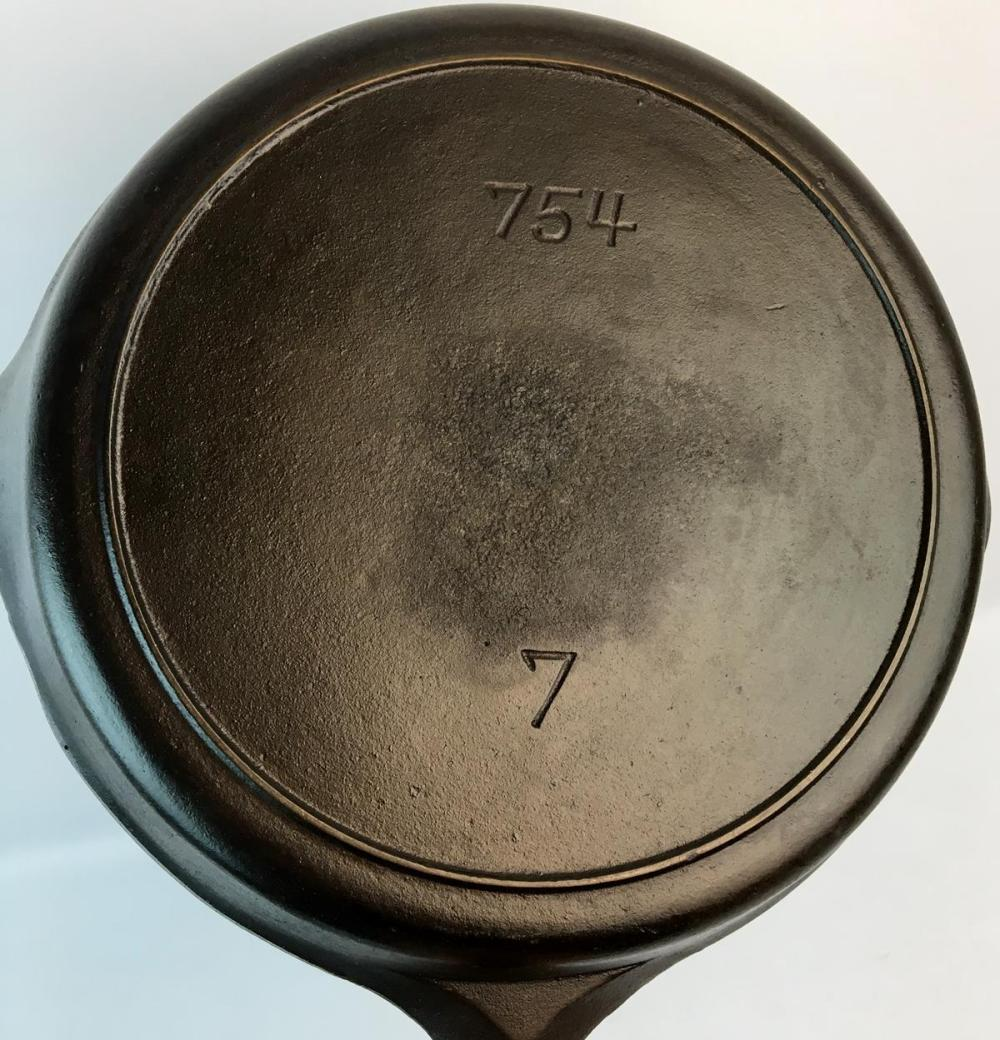 Vintage Unmarked Griswold No. 7 Cast Iron 754 Skillet w/ Heat Ring
