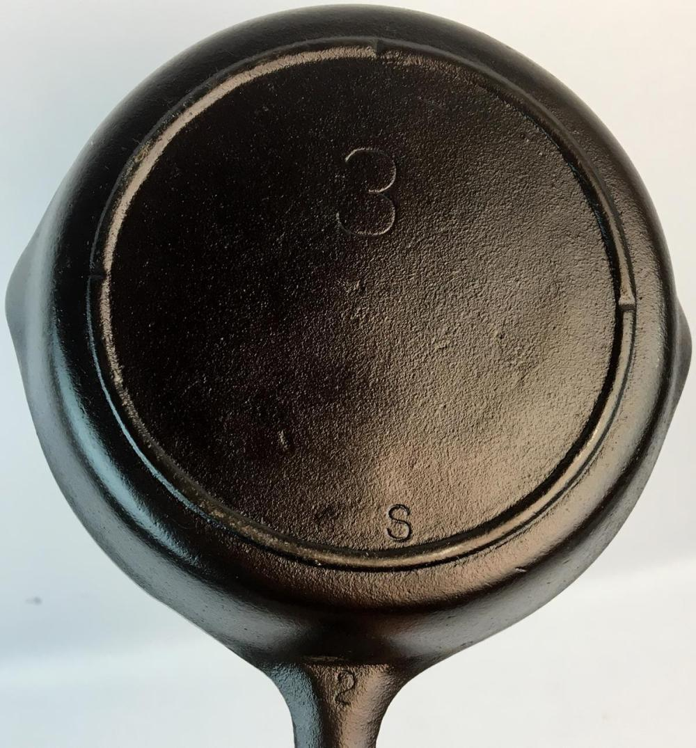 Vintage Lodge No. 3 Cast Iron Skillet w/ 3 Notch Heat Ring