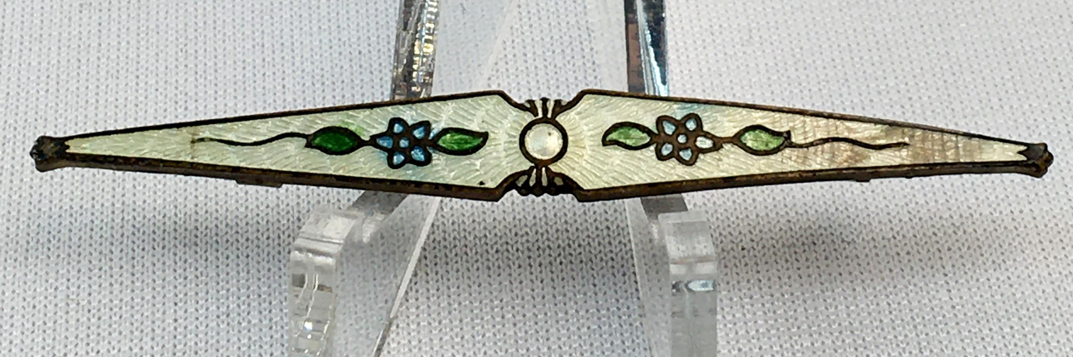 Vintage Art Deco Floral Enameled Bar Pin