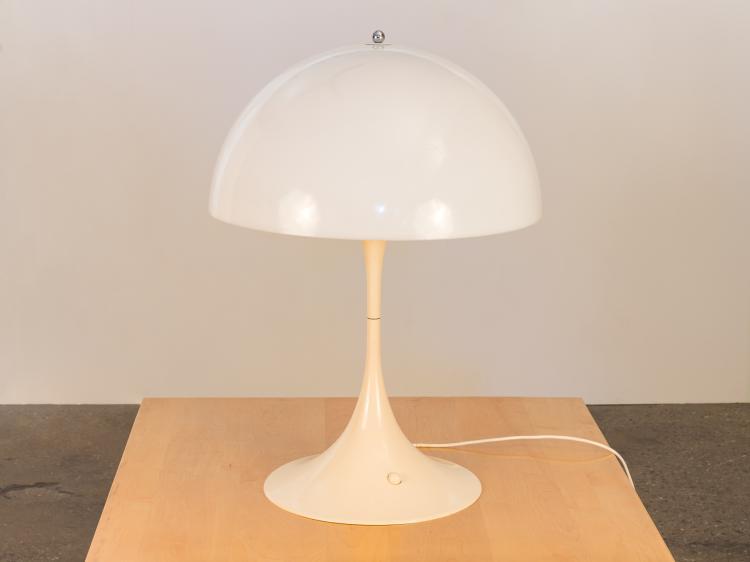Vernor Panton Panthella Lamp