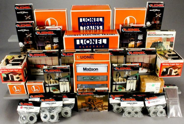 Lionel Assorted Accessories & Building Kits