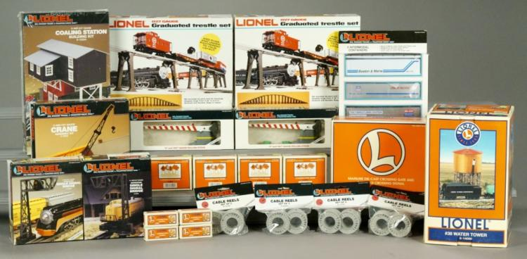 Lionel Assorted Building Kits & Accessories