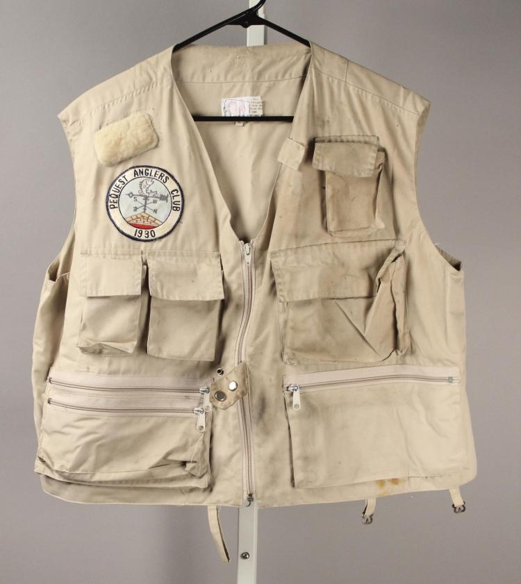 Orvis men 39 s fishing vest size large with patch for Orvis fishing vest