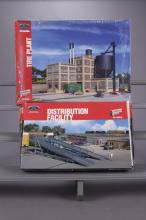 Walthers Ford Distribution & Tire Plant Model Kits