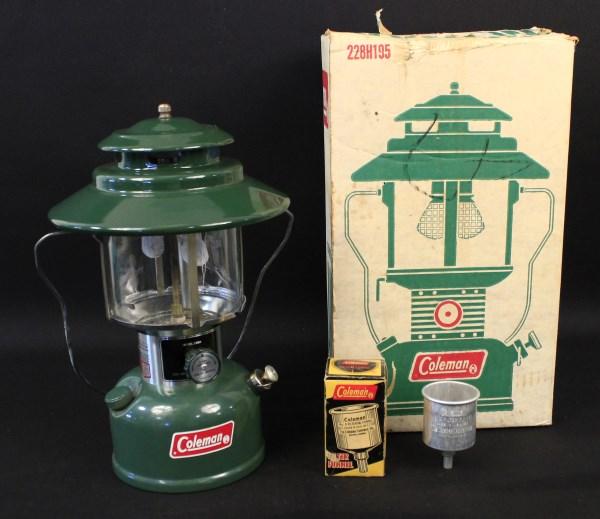 Of lanterns value old coleman Coleman US
