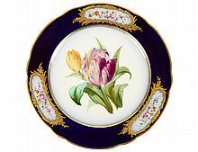 SET OF TWELVE OLD PARIS PORCELAIN LUNCHEON PLATES