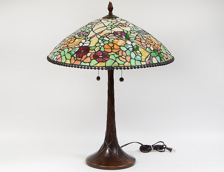 american leaded stained glass table lamp. Black Bedroom Furniture Sets. Home Design Ideas