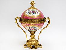 LOUIS XV STYLE ORMOLU-MOUNTED PORCELAIN COVERED CUP