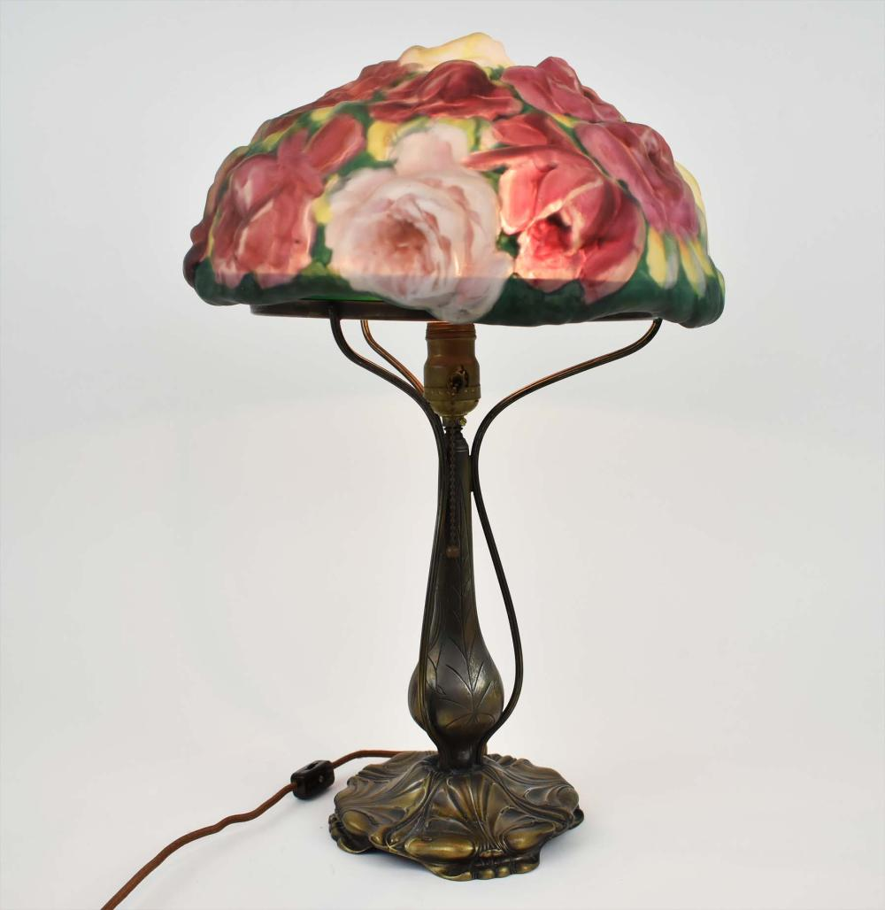 PAIRPOINT PAINTED PUFFY ROSE BOUQUET GLASS TABLE LAMP