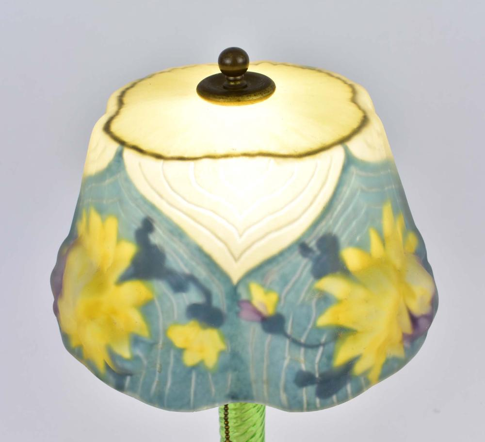 Lot 5: PAIRPOINT PUFFY REVERSE PAINTED TABLE LAMP