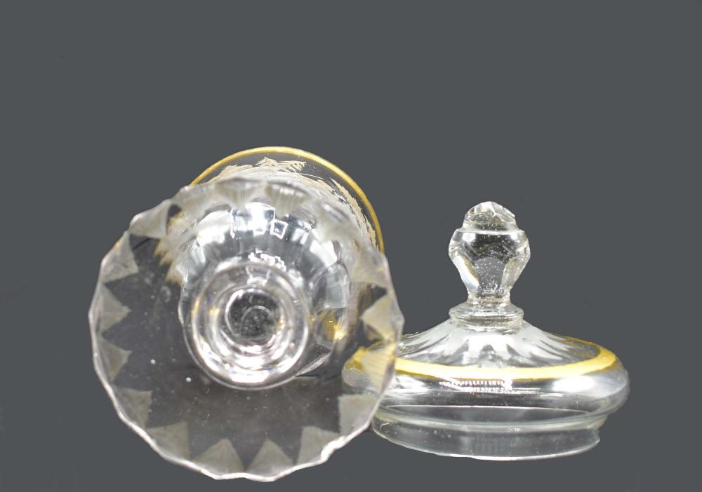 Lot 28: SILESIAN ENGRAVED COLORLESS GLASS COVERED VESSEL