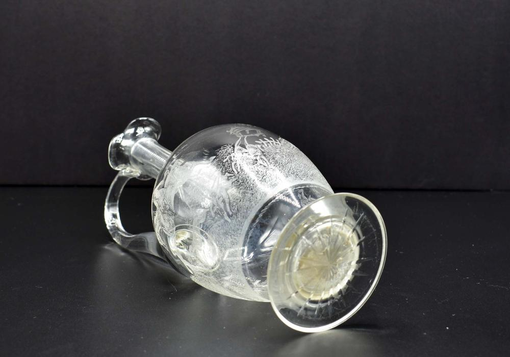 Lot 146: ENGLISH ETCHED COLORLESS GLASS EQUESTRIAN CLARET JUG