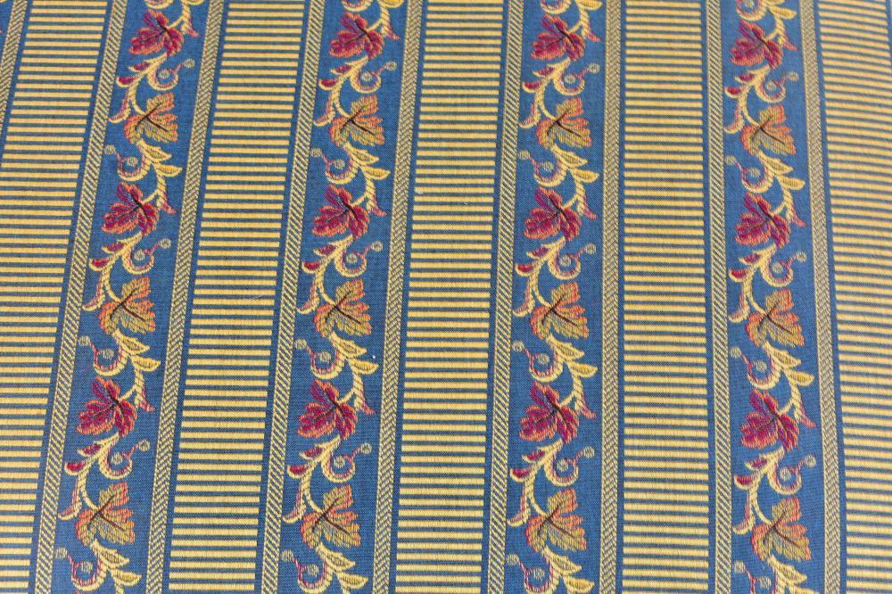Lot 105: BAROQUE STYLE WALNUT STOOL