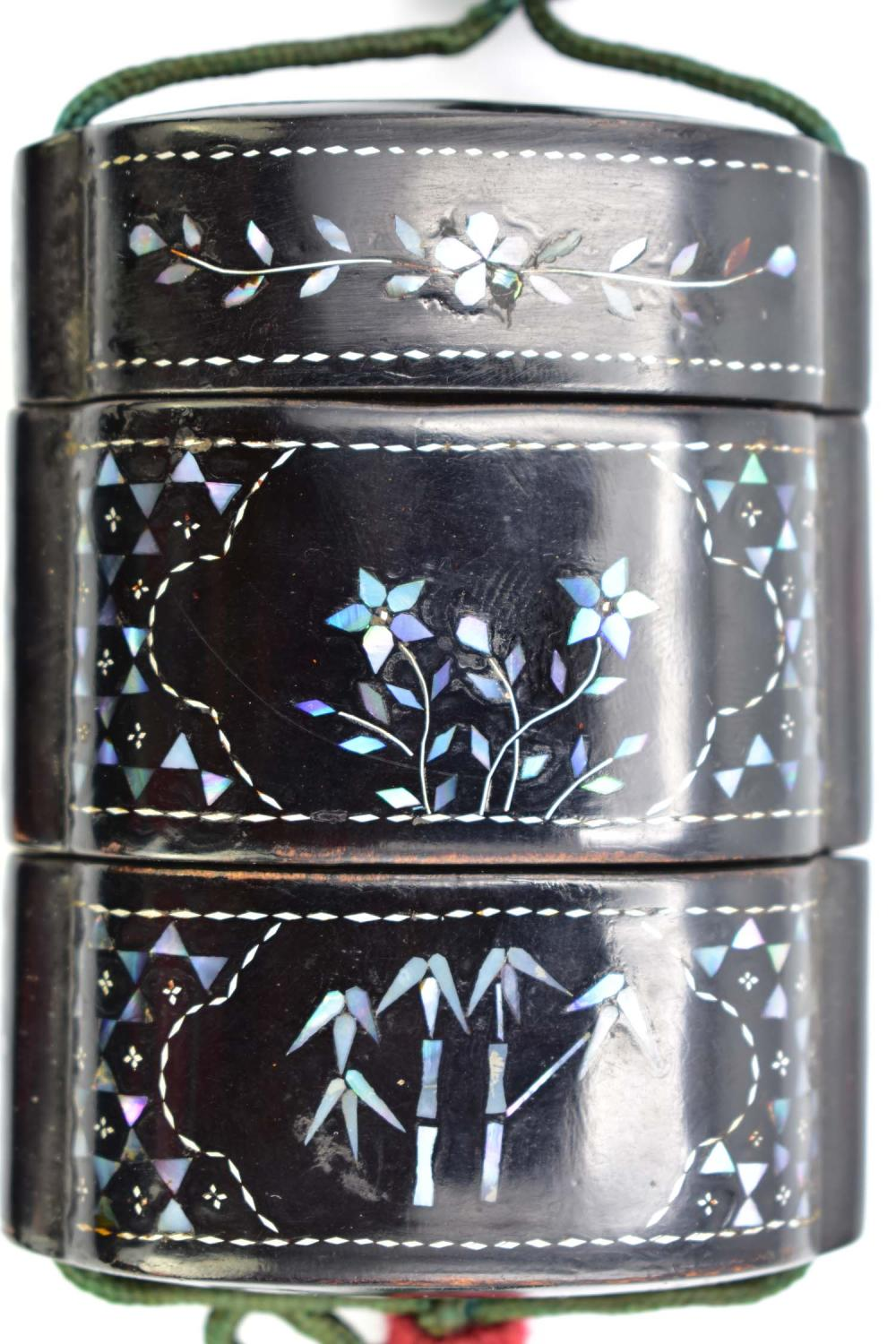 Lot 121: JAPANESE MOTHER-OF-PEARL INLAID BLACK LACQUER INRO