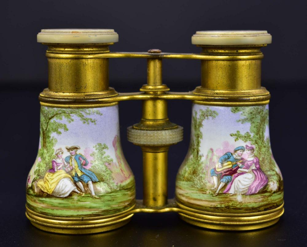 AMERICAN MOTHER-OF-PEARL OPERA GLASSES