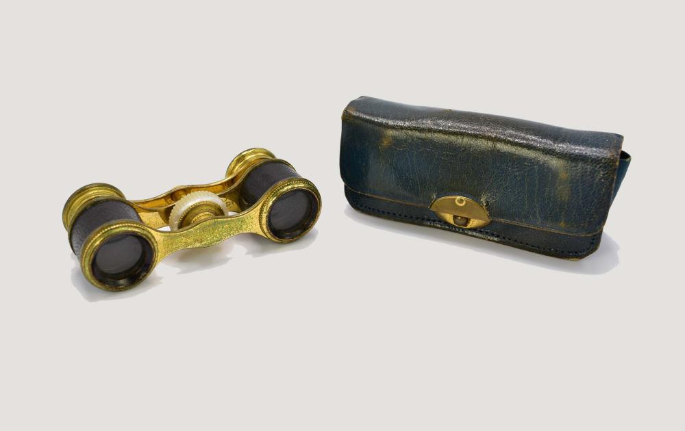 EUROPEAN CASED SET OF BRASS AND LEATHER OPERA GLASSES