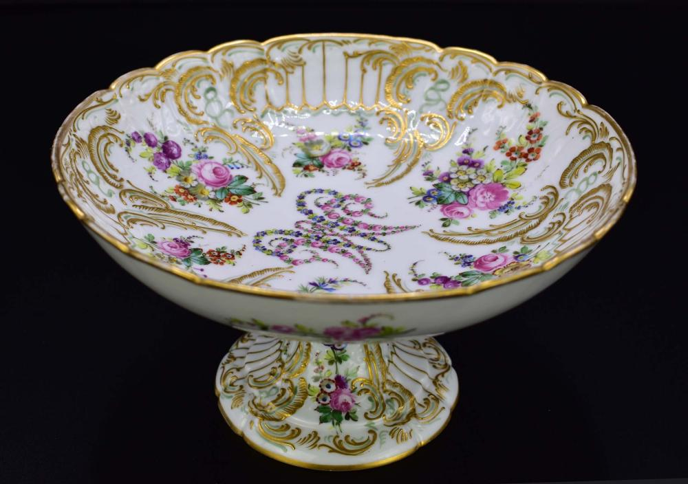 CLIGANCOURT MARIE ANTOINETTE DECORATED PORCELAIN TAZZA