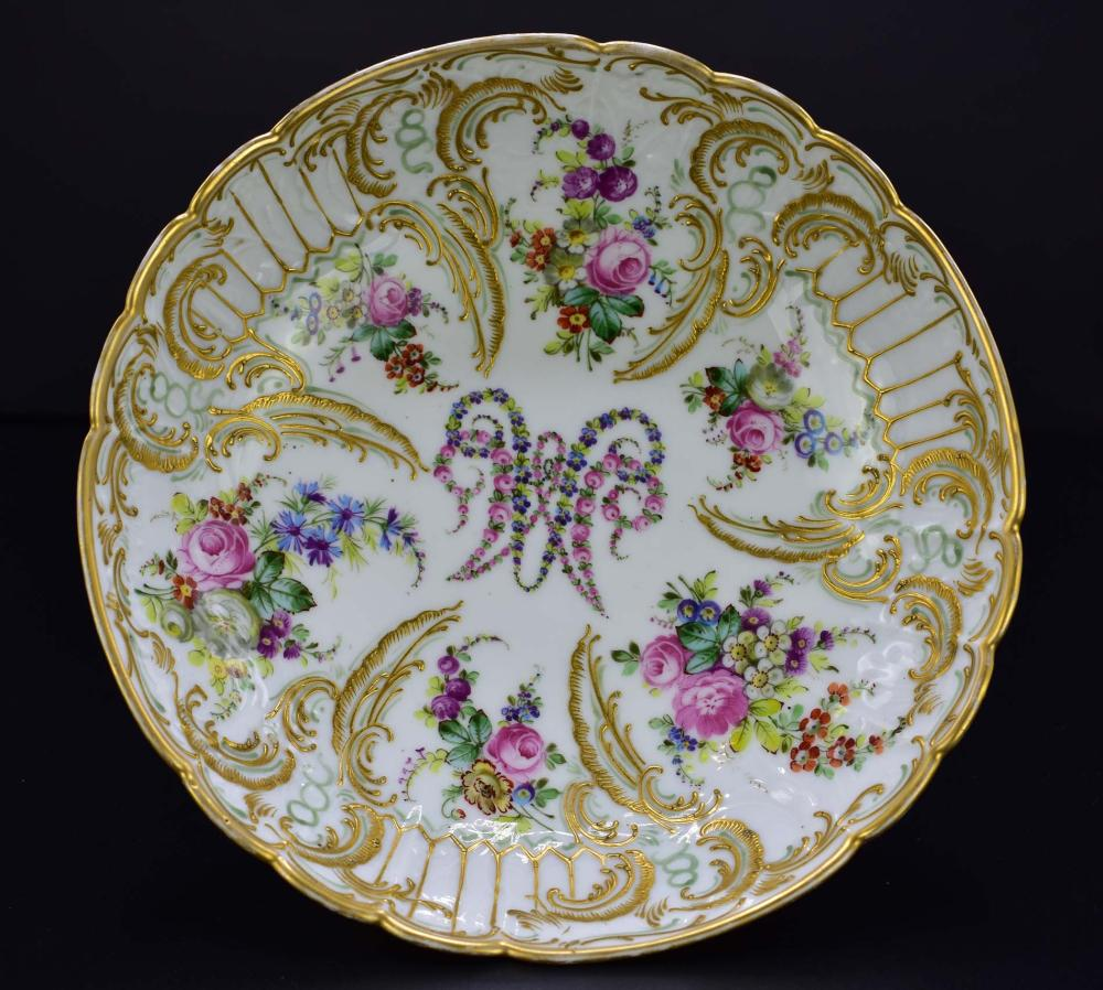 Lot 174: CLIGANCOURT MARIE ANTOINETTE DECORATED PORCELAIN TAZZA