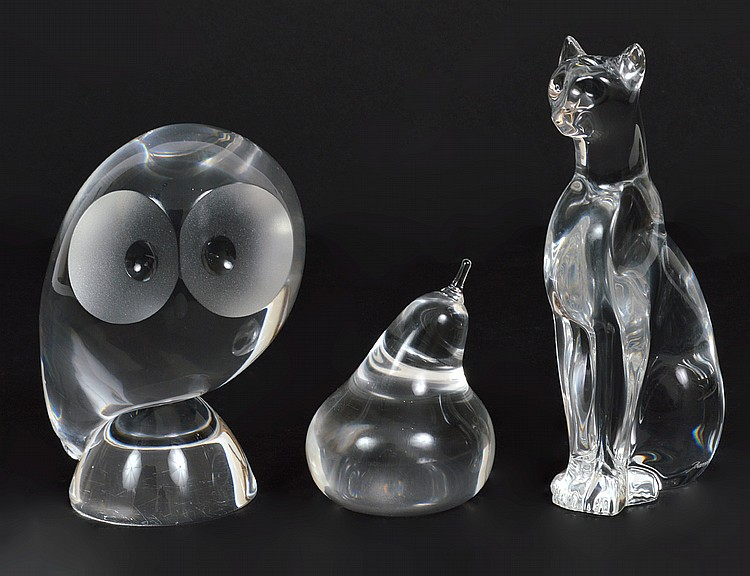 BACCARAT GLASS PANTHER & TWO FURTHER GLASS ITEMS