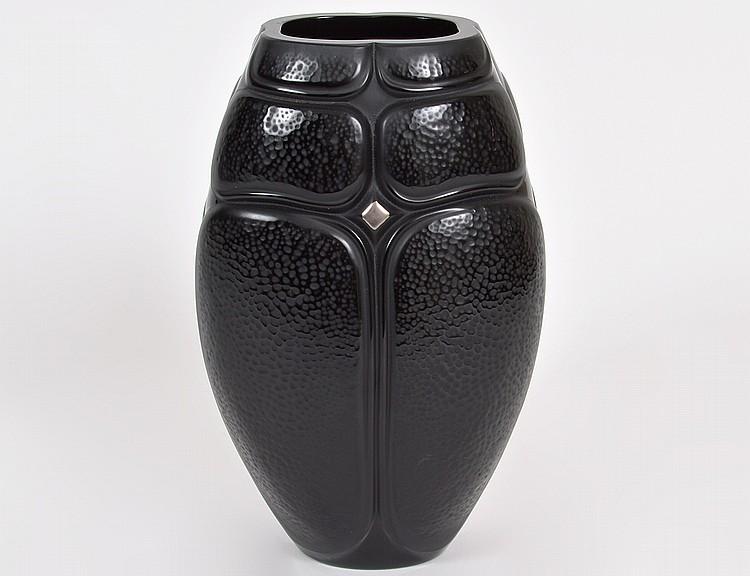 LALIQUE BLACK GLASS STYLIZED