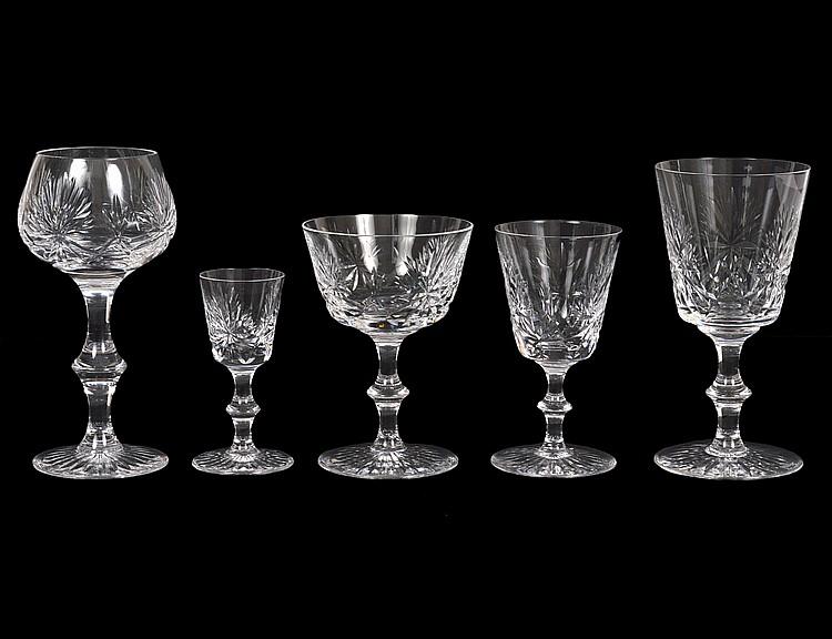 95 PCS. EDINBURGH SCOTTISH CUT GLASS DRINKS SERVICE
