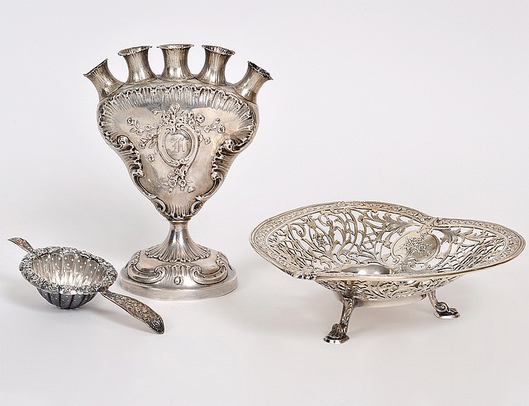 TWO STERLING SILVER TABLE ITEMS AND A TULIP VASE