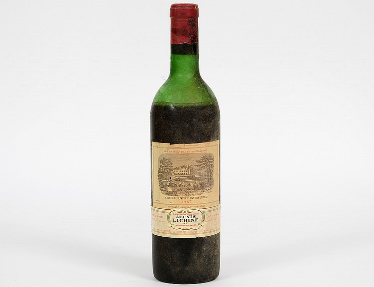 A FRENCH 1967 CHATEAU LAFITTE ROTHSCHILD RED WINE