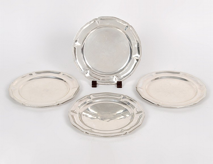 SET OF EIGHT MEXICAN STERLING SILVER BREAD PLATES