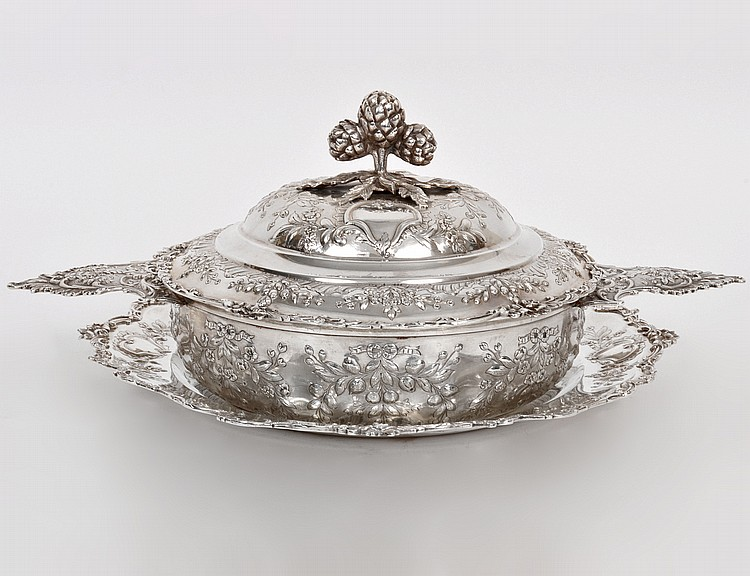 CONTINENTAL SILVER CIRCULAR COVERED BOWL & UNDERPLATE