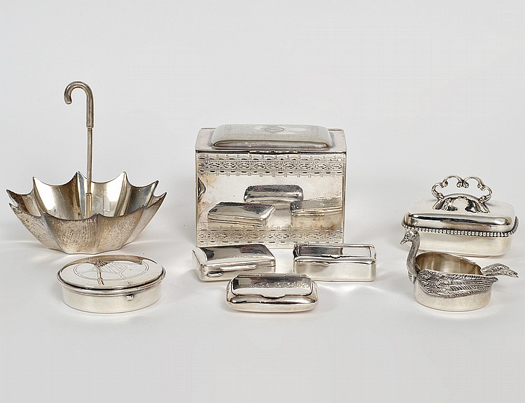 ASST'D GRP OF EIGHT SILVER & SILVER PLATE TABLE ITEMS