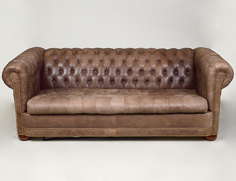 Leather button tufted chesterfield sofa for Button tufted chaise settee
