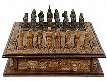SPANAIRDS VERSE AZTEC CARVED RESIN CHESS SET