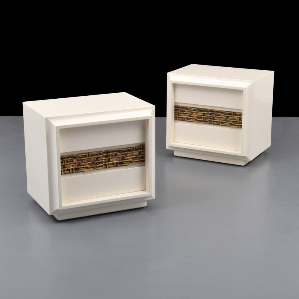 Pair of Luciano Frigerio Nightstands/Tables