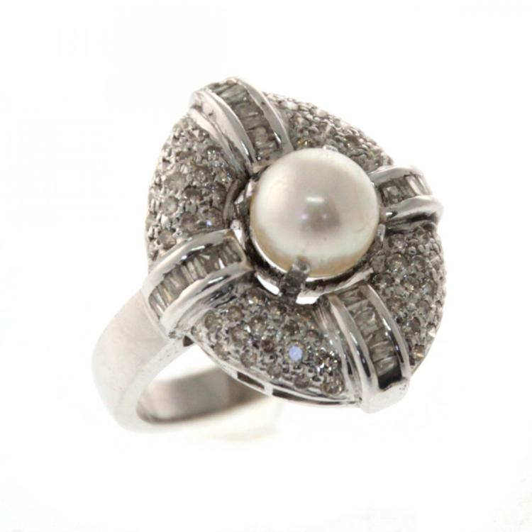 18k White Gold 1ct Diamond and Pearl Ring.