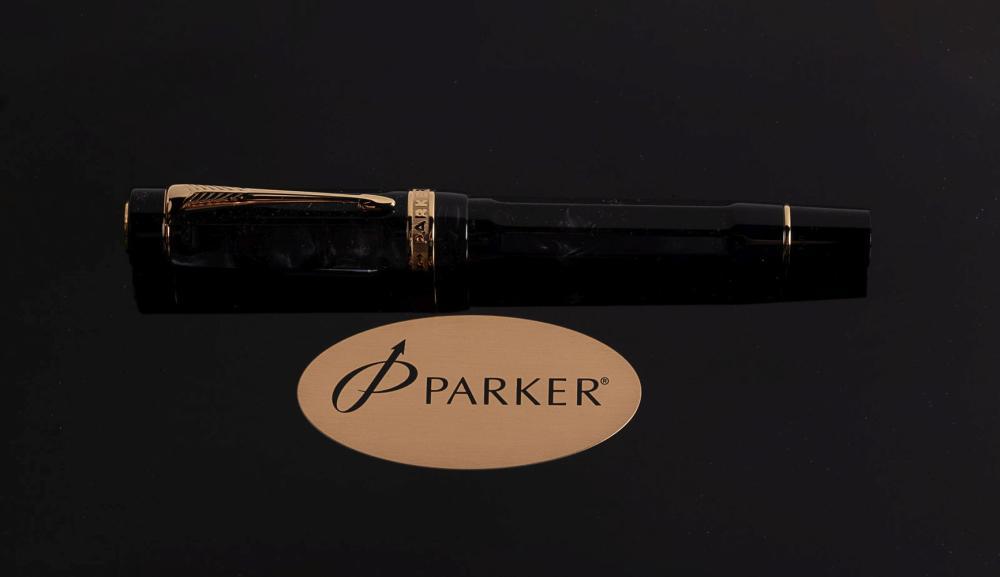 PARKER  Duofold Centennial LUCKY 8  Black & Grey Ltd Fountain Pen