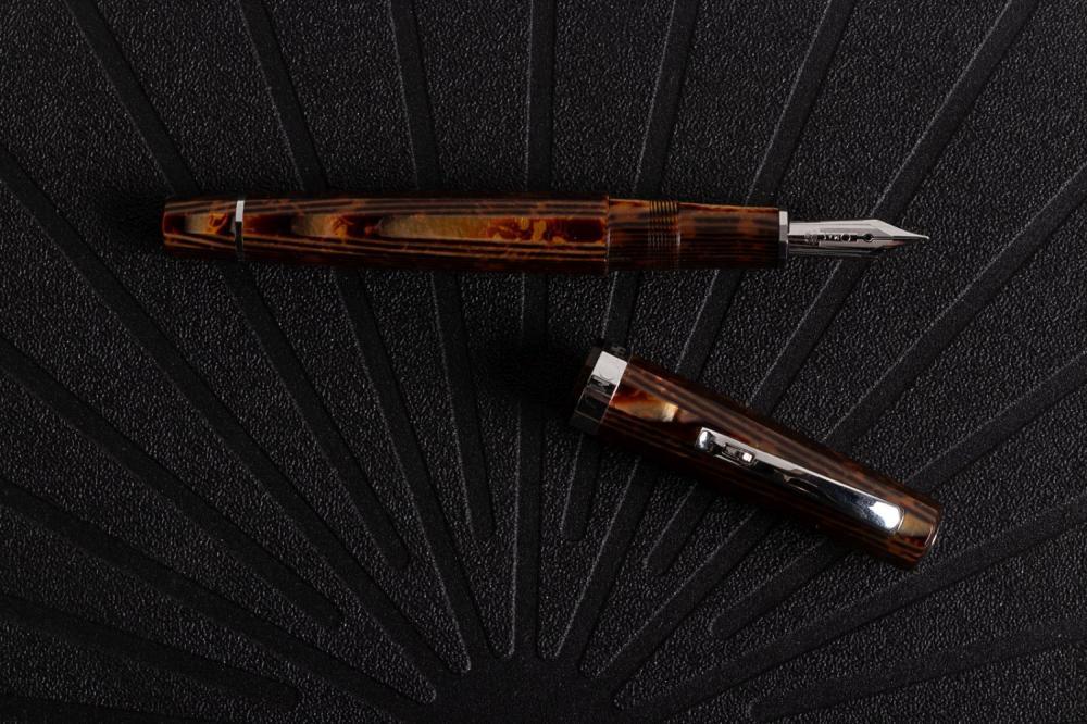 OMAS Tiger's Eye MILORD ARCO Fountain Pen