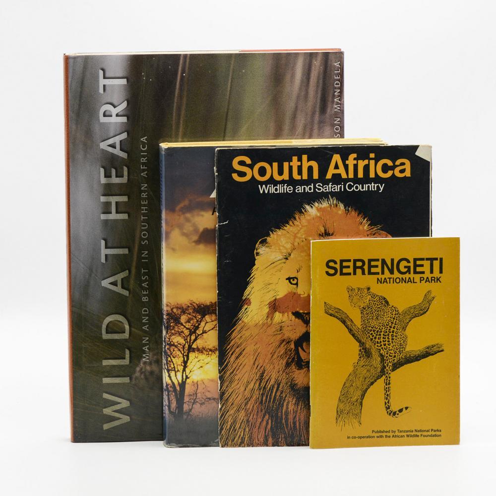 ÁFRICA. 4 vols, enc e br.