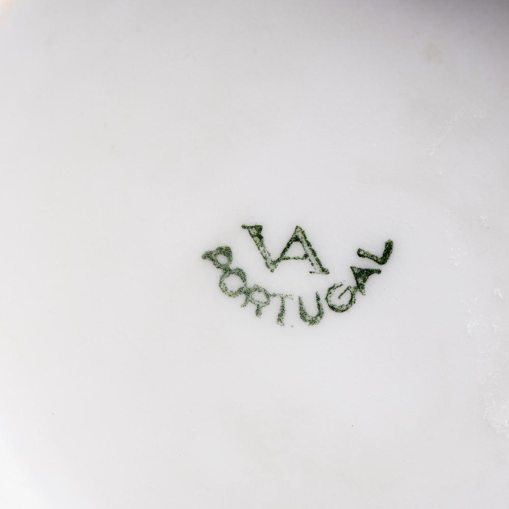"""Lote de taça """"consomé""""e caneca em porcelana VA (2)"""