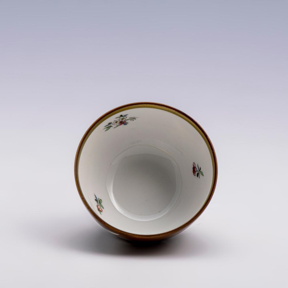 """Taça """"chocolate"""" em porcelana da Vista Alegre"""