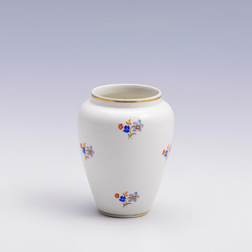 Jarra em porcelana da Vista Alegre