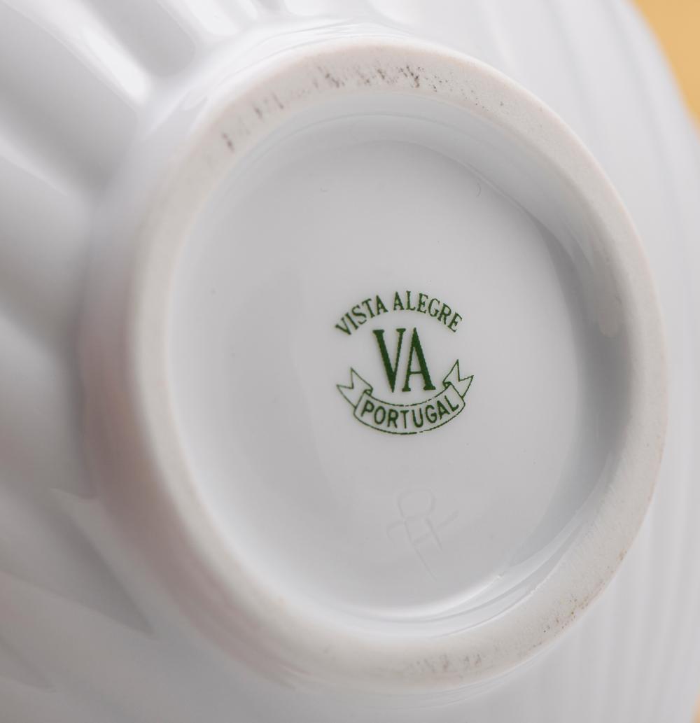 Par de taças em forma de concha porcelana V.A.
