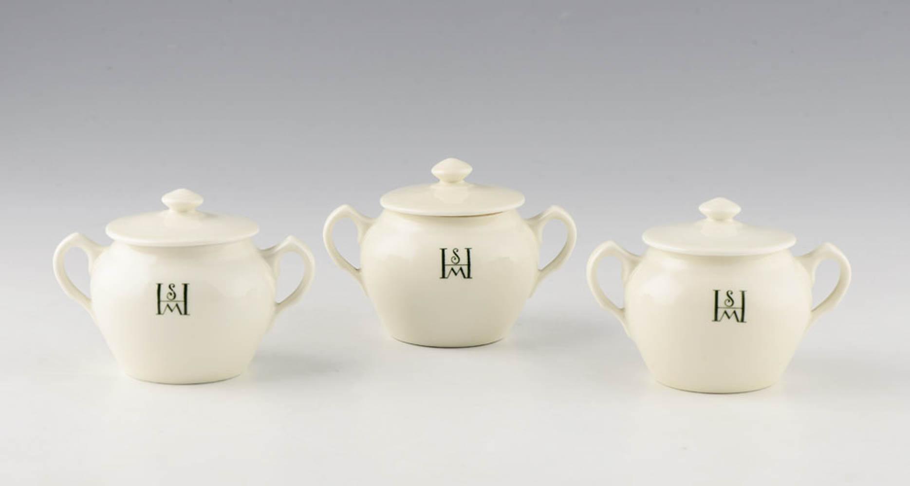 Três açucareiros em porcelana da Vista Alegre