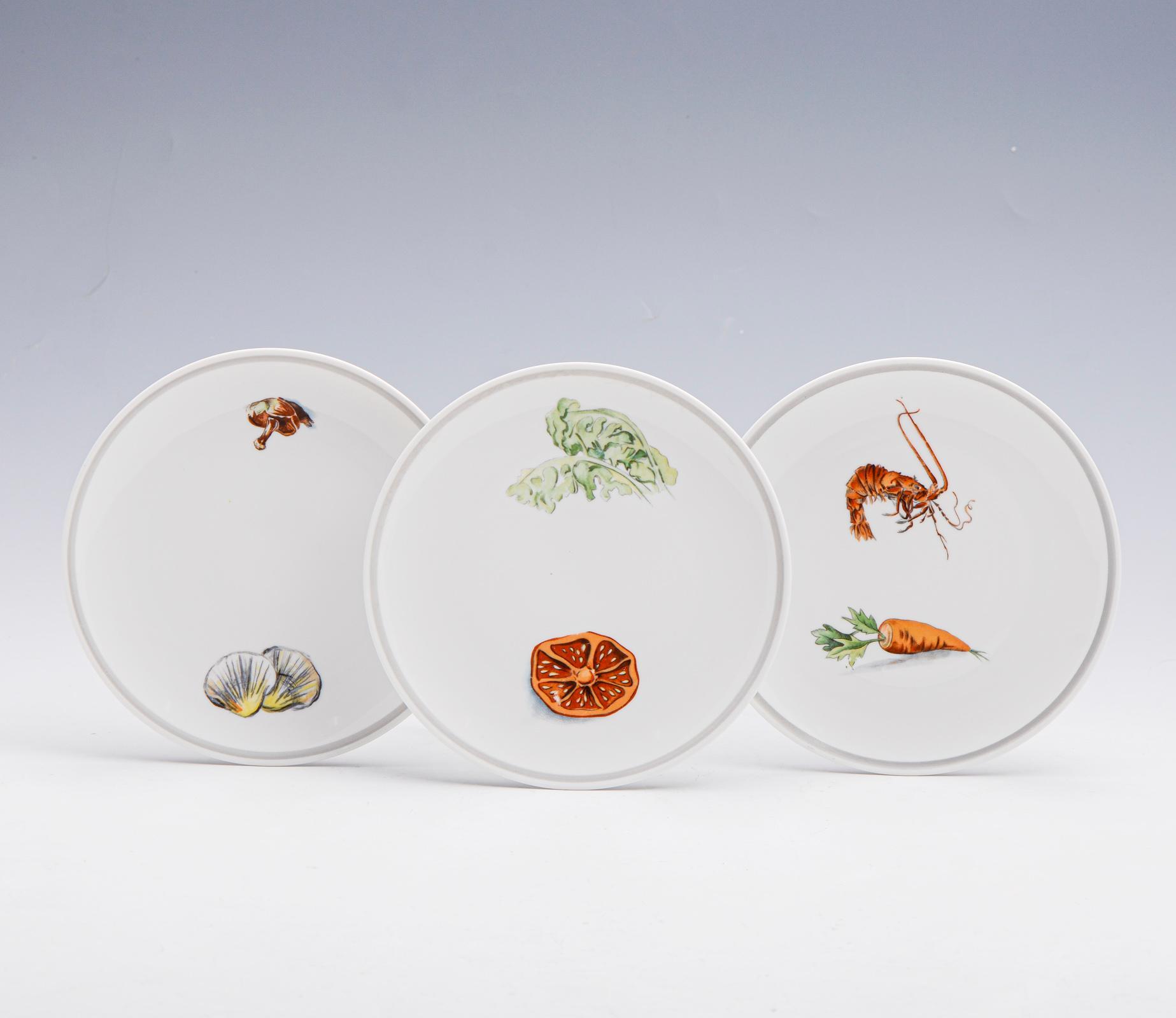 Conj. de 6 (2+4) pratos, porcelana da V.A. (6)