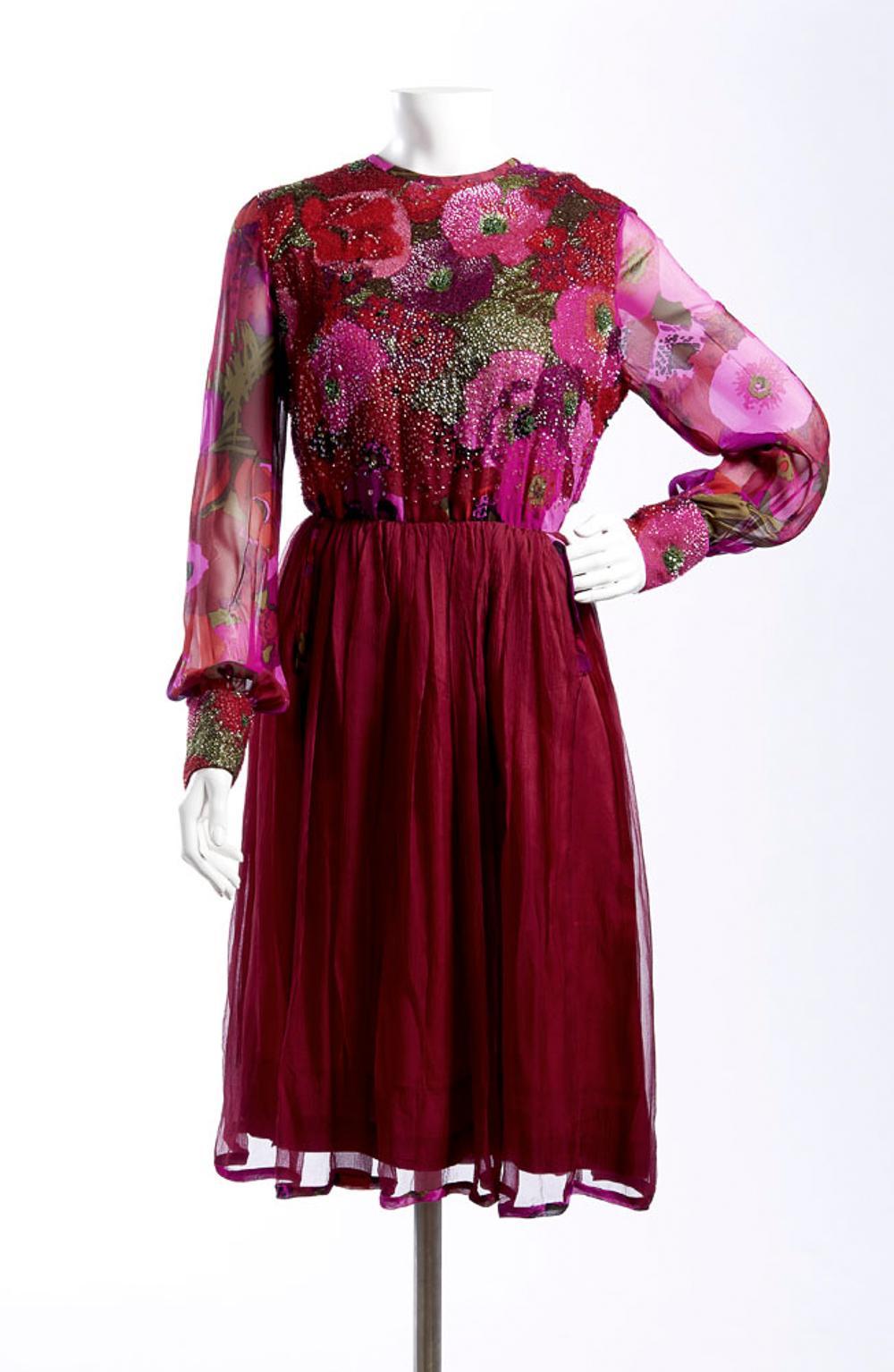 Ken Scott, dressed in various sequin fabrics