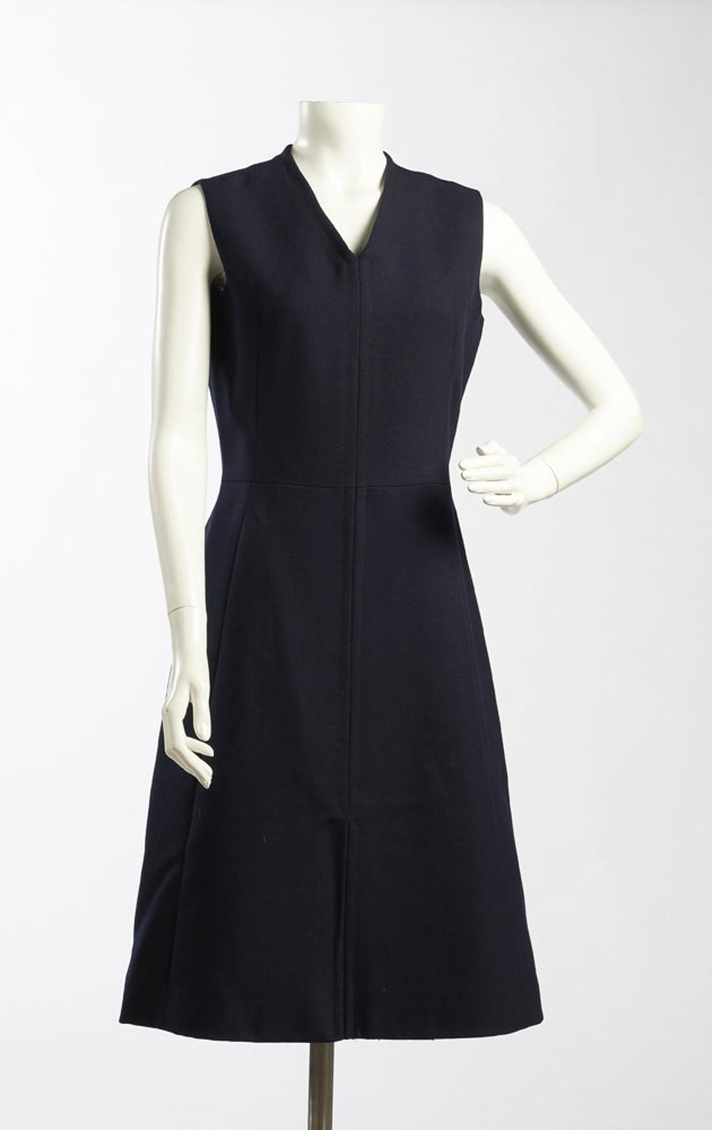 Sleeveless dress in blue lined fabric